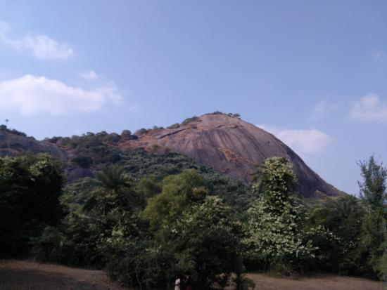 Bhagalpur, Indie: Mandar Hill Side View