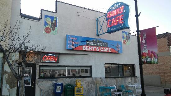 Bert's Cafe and Grill