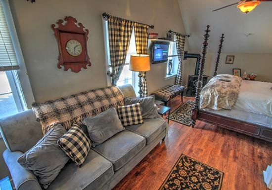 Montgomery Center, VT: The Terrier Suite