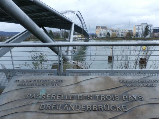 Weil am Rhein, Németország: Bridge marker