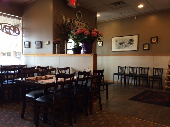 Farmington, MI: Dining room