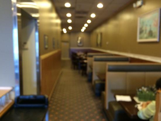 Farmington, MI: Rear dining area