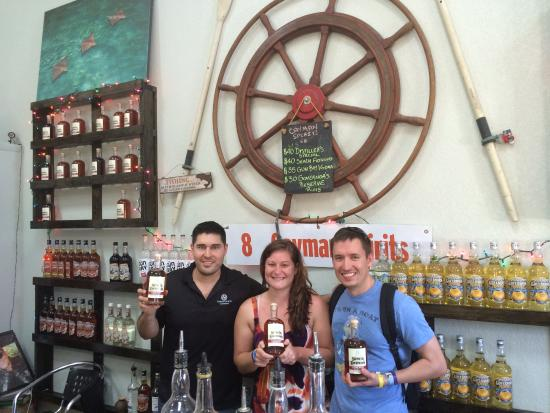 George Town, Grand Cayman: Distillery Tour
