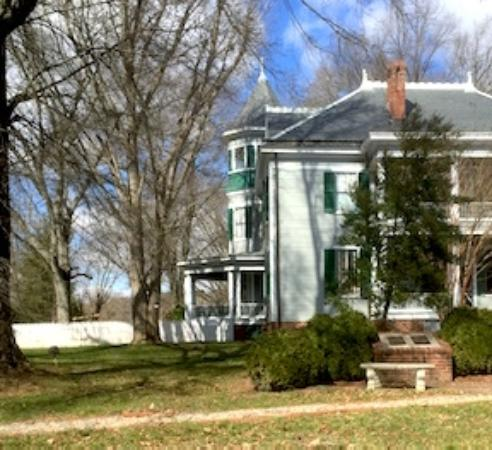 Altavista, VA: This is actually the back of the house