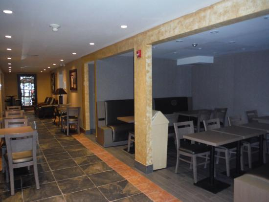 Holiday Inn Express Hotel & Suites Collingwood - Blue Mountain Photo