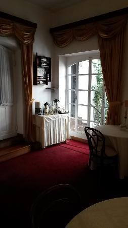 El Hostal de Su Merced: Breakfast room.