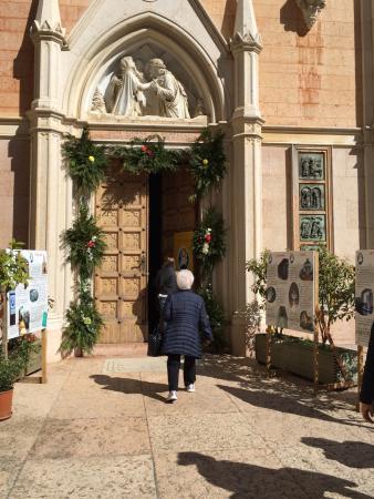 Il santuario picture of santuario basilica madonna della for Santuario madonna della corona
