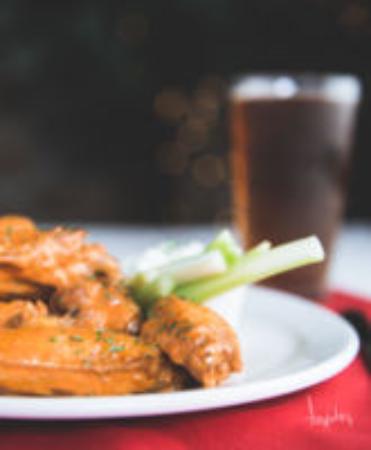 ปรินเซสแอนน์, แมรี่แลนด์: wings and beer