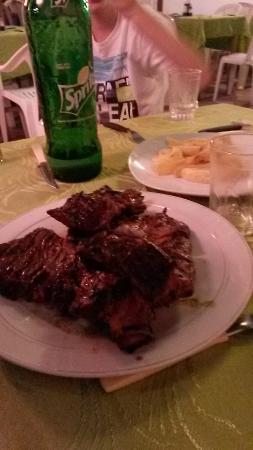 Nouvelle Cuisine: Unbelievable steak.