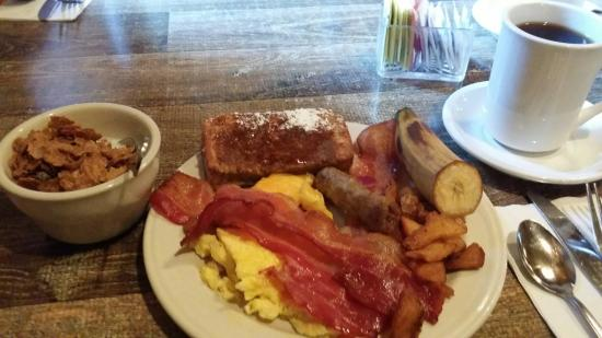 Yosemite View Lodge Restaurant: $13.99 breakfast buffet plus $2.50 for coffee.