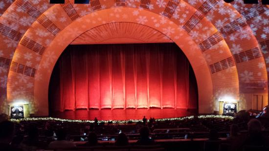 Christmas Spectacular Show at the Radio City Music Hall - Picture ...