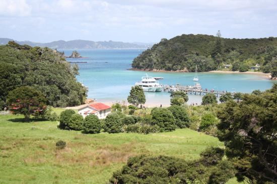 "Edelweiss Motel: Boat trip from Paihia to ""the Hole in the Rock"""