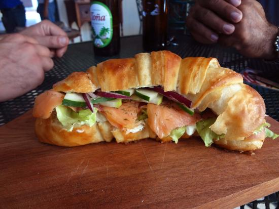 Pan & Paz - Panadería francesa: Smoked salmon croissant - just one of our many sandwich options