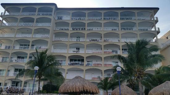 El Cantil Condo Resort: El Cantil Condominiums