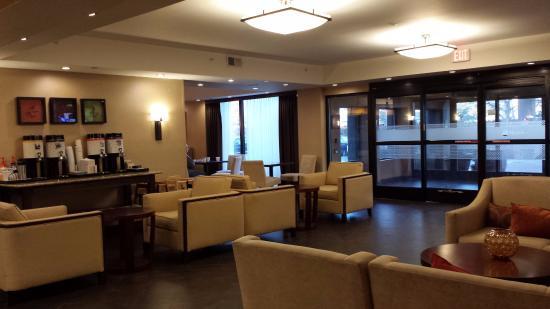 Westchester, IL: Lobby sitting area