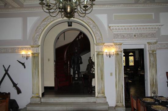 Casa Espanola : entrance