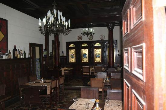 Casa Espanola : one of the dining areas