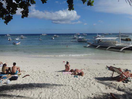 Alona Tropical Beach Resort ภาพถ่าย