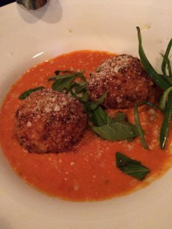 Sweet Basil's Cafe: These were better than what I ate in Italy!