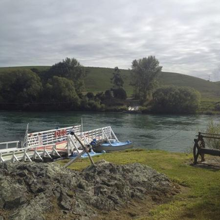 UNIQUE ATTRACTION - Review of Tuapeka Mouth Ferry
