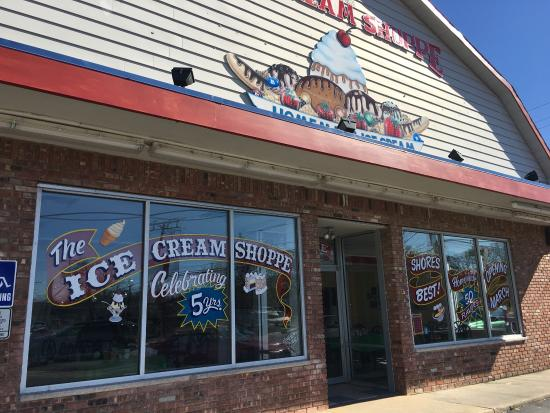 Neptune City, NJ: The Ice Cream Shoppe, Neptune, NJ is a great place for delicious homemade ice cream, cakes, dess