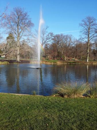 Le lac et l 39 arc en ciel picture of parc de l 39 orangerie for Parc des expo strasbourg