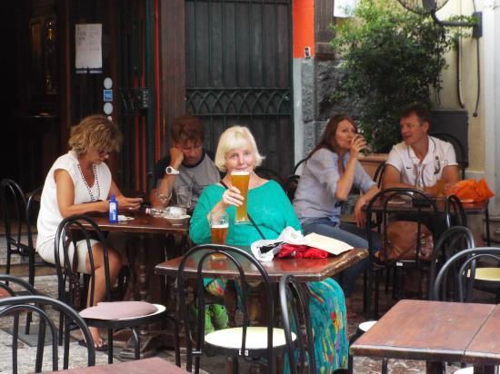 The Pub: Cheers!