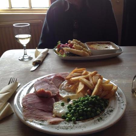 Halland, UK: Sussex ham, eggs, peas and chips plus lasagne with garlic bread and salad .
