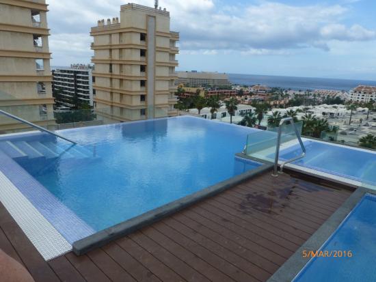 Infinity pool on roof picture of tigotan lovers - Hotel noelia tenerife ...