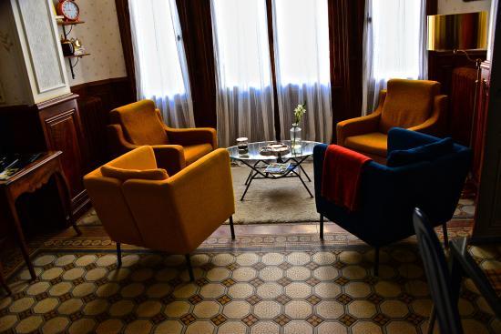 maison d 39 h tes les hirondelles b b chalon sur sa ne france voir les tarifs 22 avis et 10. Black Bedroom Furniture Sets. Home Design Ideas