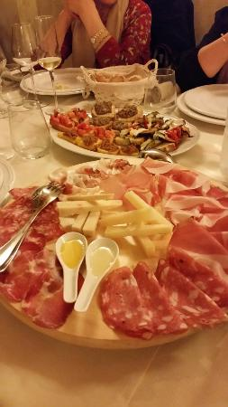 Монтеспертоли, Италия: 20160319_202517_large.jpg