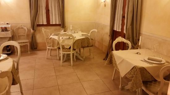 Montespertoli, Włochy: 20160319_195557_large.jpg