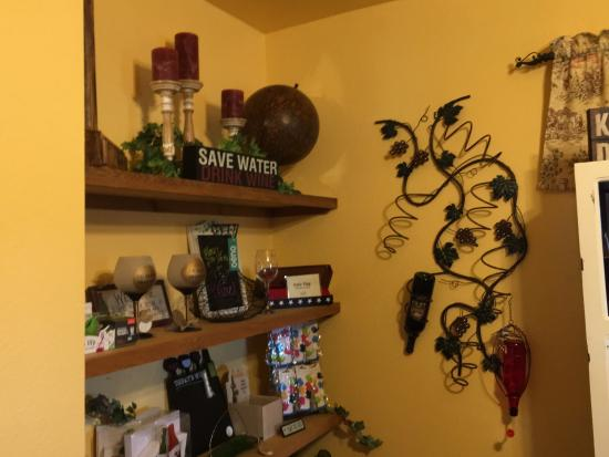 Tontitown Winery: photo7.jpg