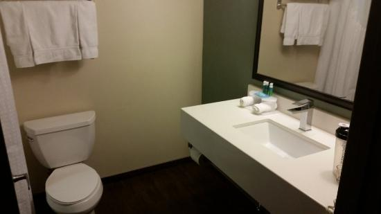 Holiday Inn Express Bakersfield Photo