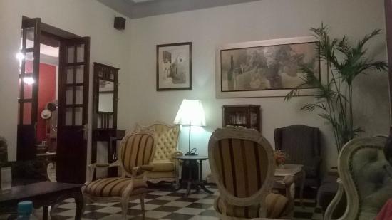 Uno dei soggiorni - Picture of Antigua Miraflores Hotel, Lima ...