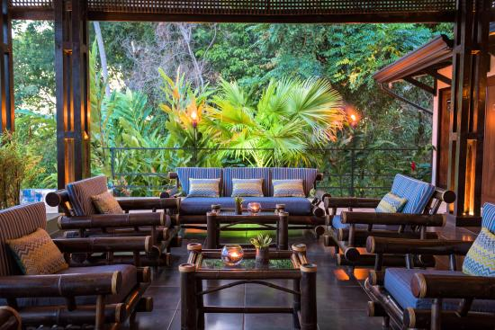 TikiVillas Rainforest Lodge: Lobby