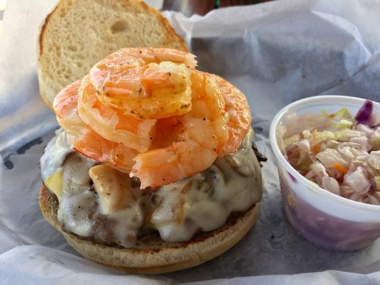 Micco, FL: Great burgers!  On shrimp night I added some shrimp - made it the bomb