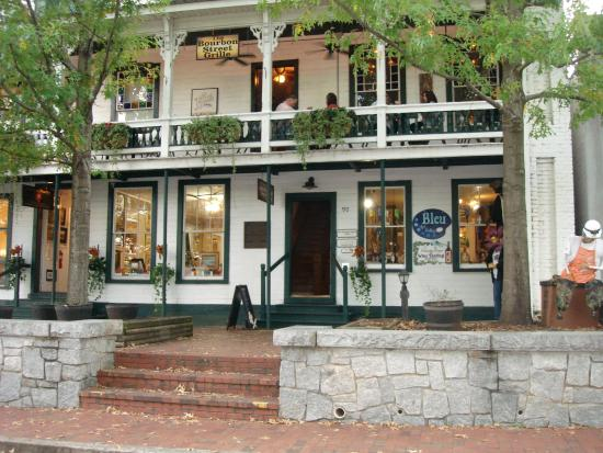 Hall House Hotel Right On The Square In Dahlonega