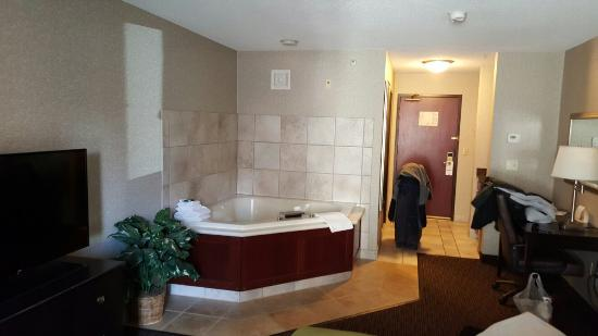 Holiday Inn Express Minneapolis Downtown (Convention Center): 20160311_114521_large.jpg