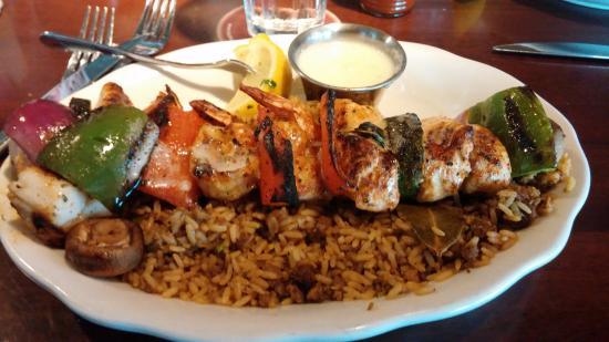 Pappadeaux Seafood Kitchen: MIXED SEAFOOD GRILL.