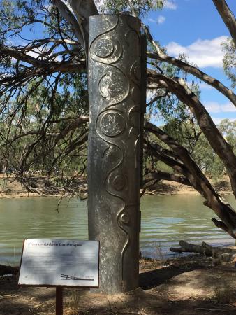 Bidgee Riverside Trail