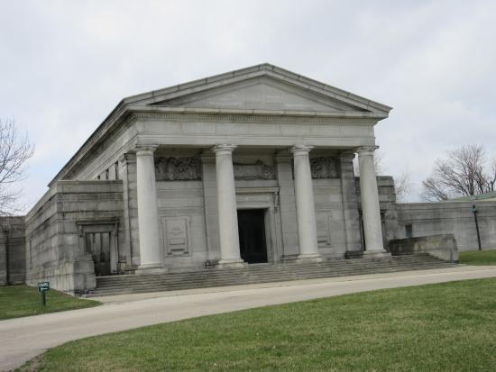 Rosehill Cemetery: Musoleum