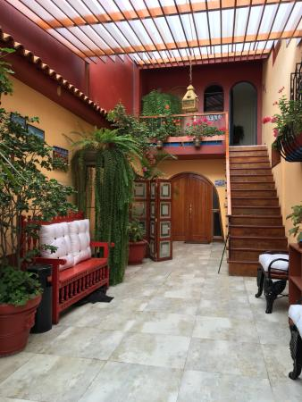 Peru Star Botique Apartments Hotel: nice decor, but no aircon...