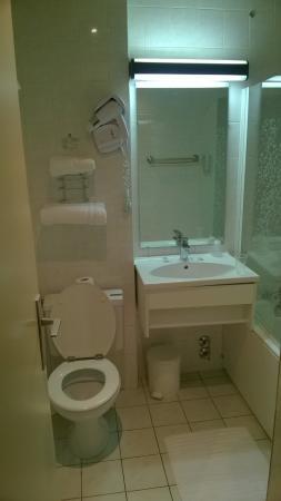 Hotel Des Trois Gares: Salle de bain