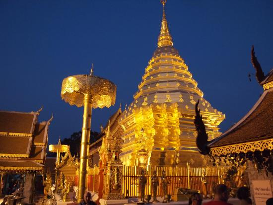 Wat Phra That Doi Kham (Temple of the Golden Mountain)