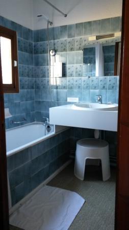 Saubusse, Francia: Chambre tradition, salle d'eau, petit déjeuner