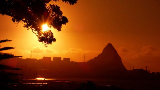 New Plymouth, Nueva Zelanda: Sunset at Belt road