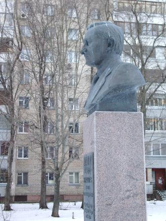 Monument to Zhuravlev
