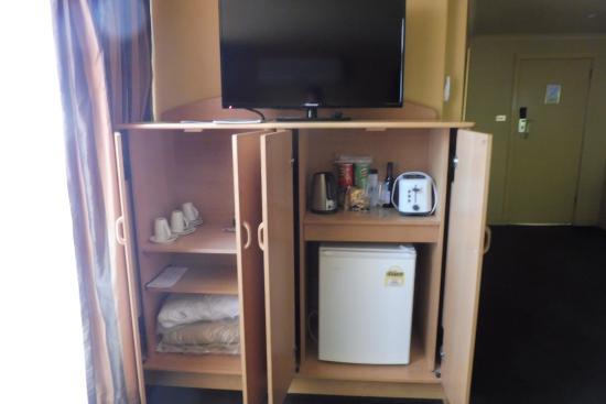 Wrest Point Motor Inn: Motor Inn Room Plus Lounge