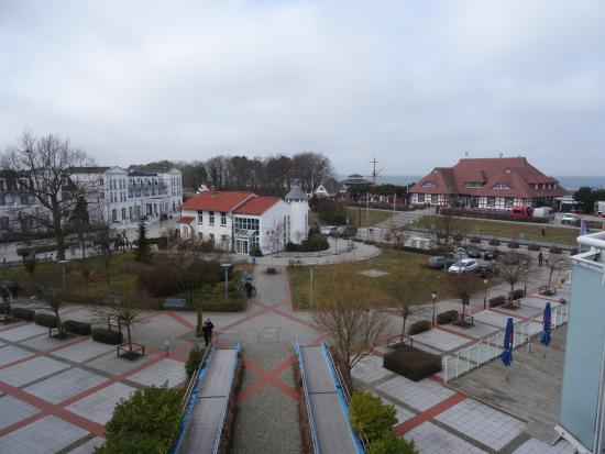 Steigenberger Strandhotel und Spa: Blick vom Steigenberger Aparthotel zum Strandhotel und Kurhaus